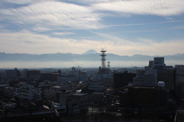 舞鶴城公園から見える富士山