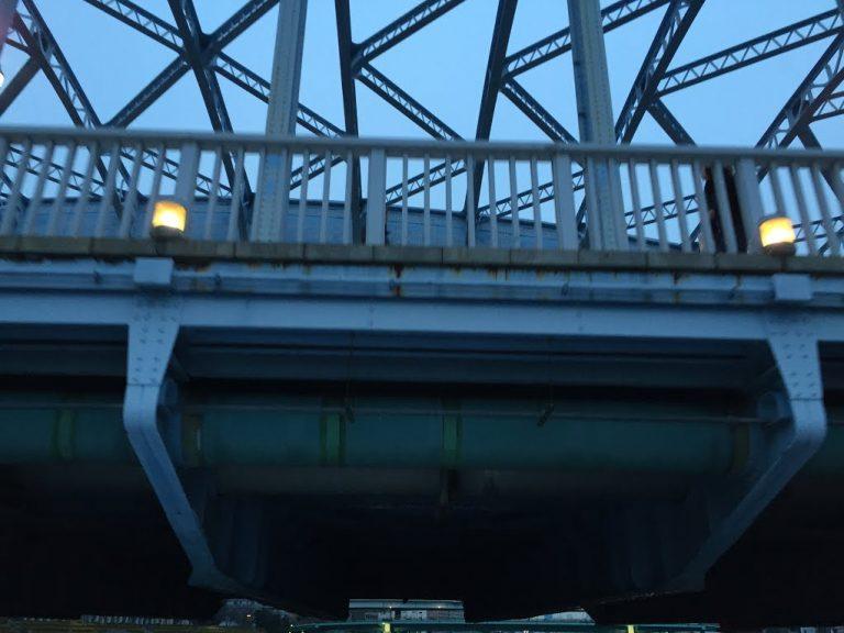 永代橋低い
