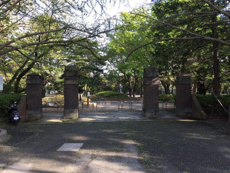 松戸中央公園正門門柱